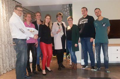 VVD Stede Broec bedankt vrijwilligers Oranjecomité